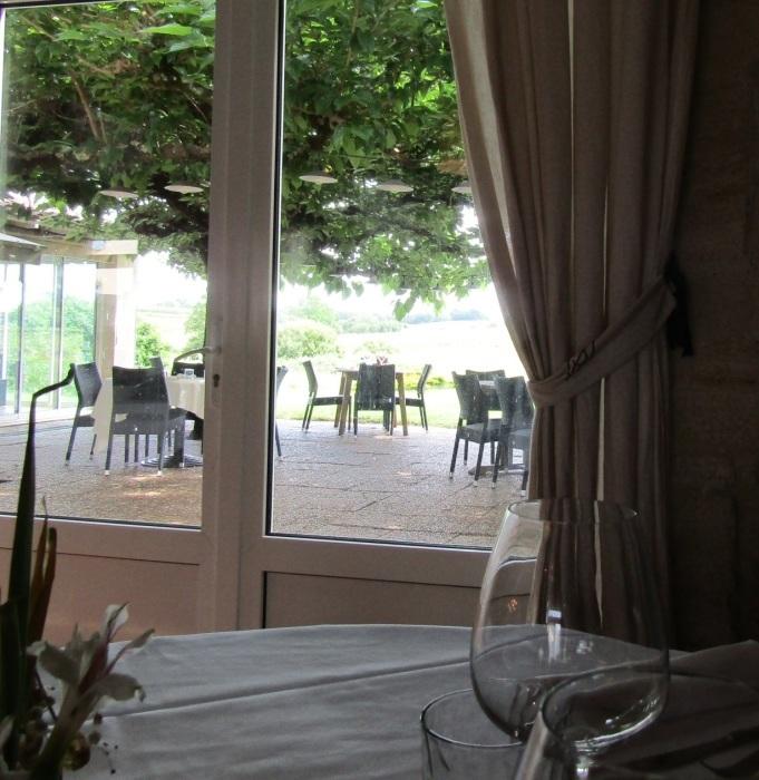 葡萄畑のレストラン_b0287748_23333859.jpg
