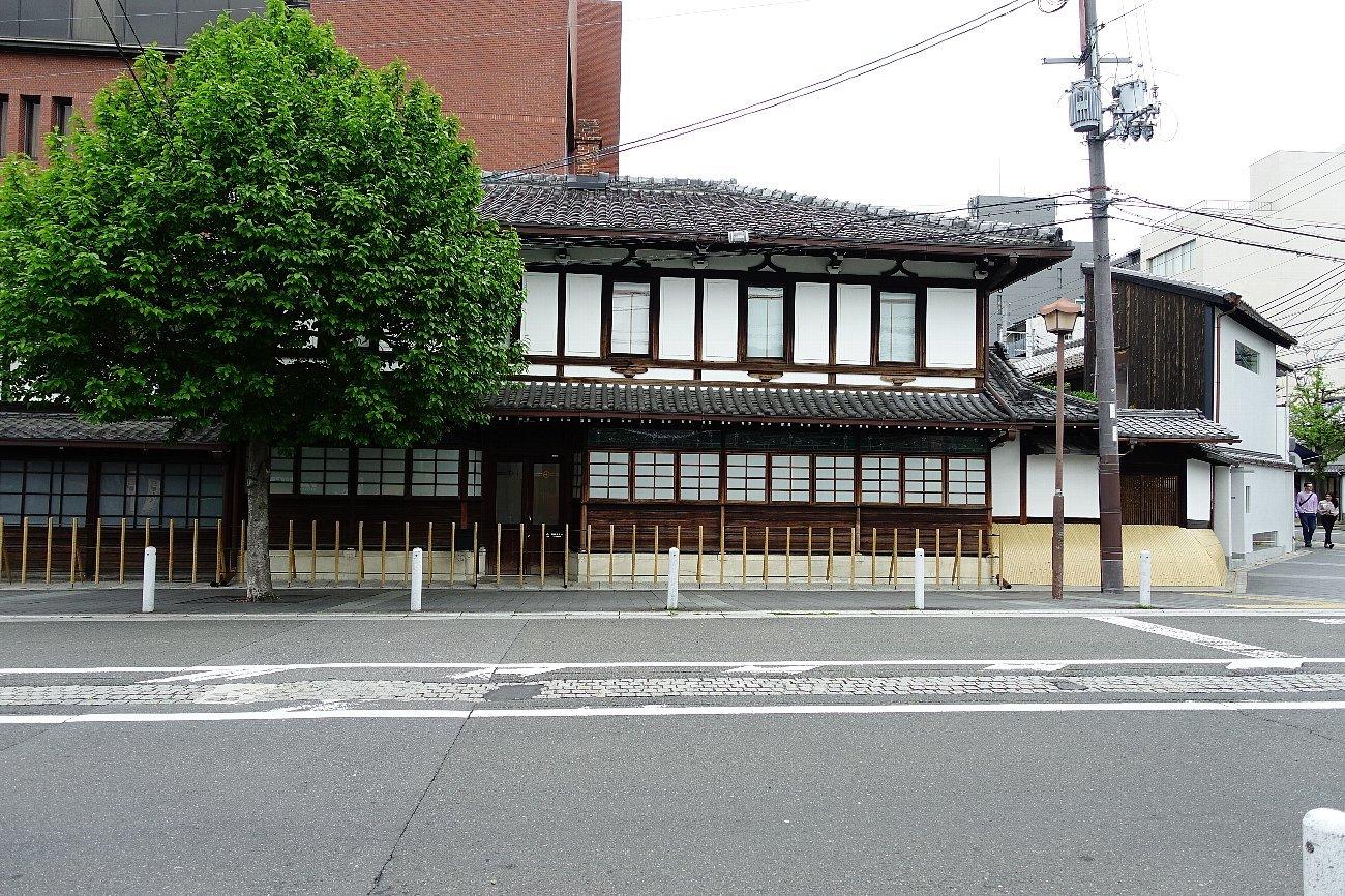 京都二条通りを歩く_c0112559_08171540.jpg