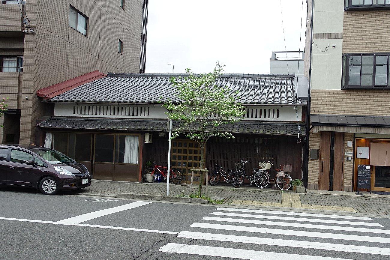 京都二条通りを歩く_c0112559_08183203.jpg