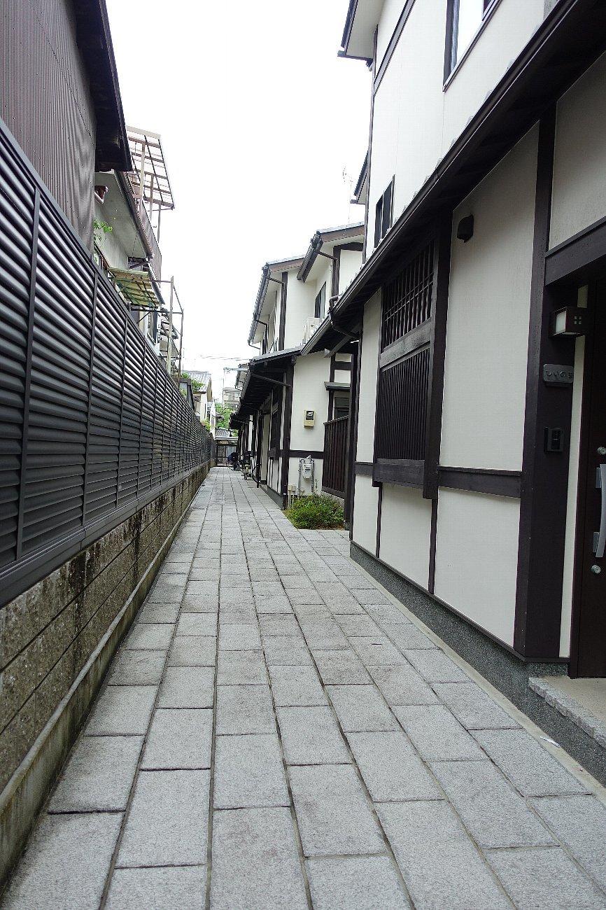 京都二条通りを歩く_c0112559_08242747.jpg