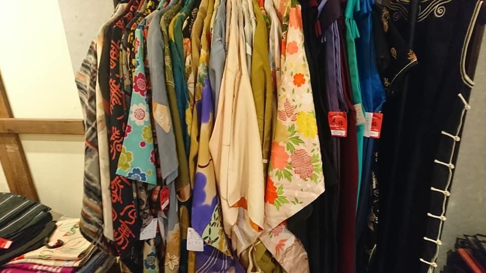 すごかった・・・先週末の縁さん&戻り橋さんの着物販売会。_e0046190_18220014.jpg