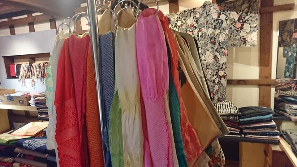 すごかった・・・先週末の縁さん&戻り橋さんの着物販売会。_e0046190_18221851.jpg