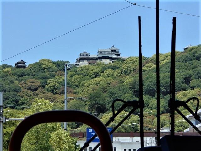 観光の町松山@松山の夜と昼、綺麗な街並み松山市・・・坊ちゃん列車と路面電車_d0181492_17455833.jpg