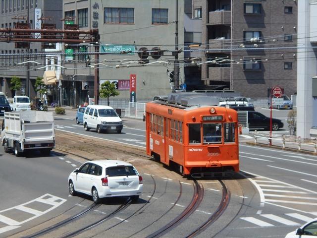 観光の町松山@松山の夜と昼、綺麗な街並み松山市・・・坊ちゃん列車と路面電車_d0181492_17461408.jpg