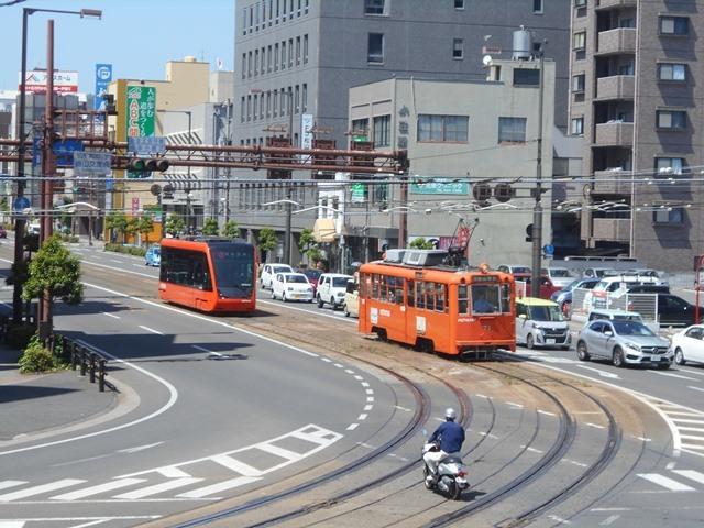観光の町松山@松山の夜と昼、綺麗な街並み松山市・・・坊ちゃん列車と路面電車_d0181492_17465303.jpg