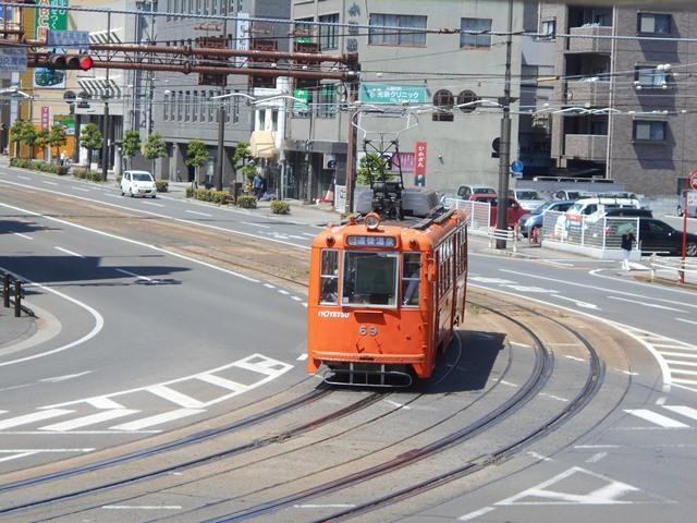 観光の町松山@松山の夜と昼、綺麗な街並み松山市・・・坊ちゃん列車と路面電車_d0181492_17470273.jpg