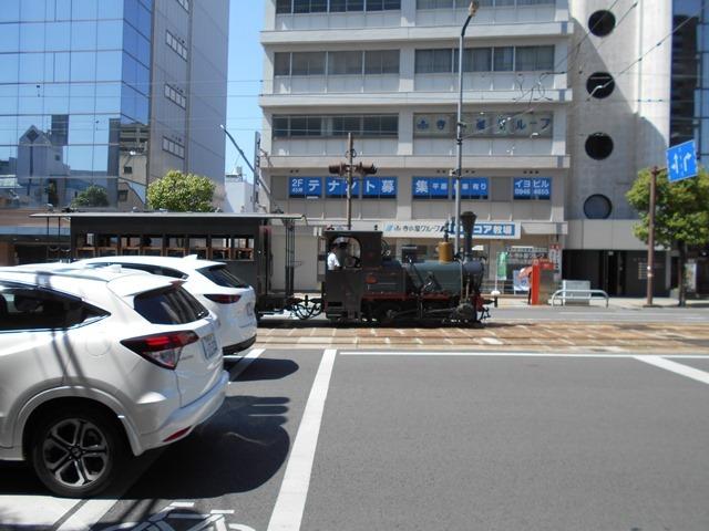 観光の町松山@松山の夜と昼、綺麗な街並み松山市・・・坊ちゃん列車と路面電車_d0181492_17473898.jpg