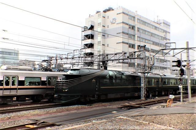 藤田八束の鉄道写真@京都駅で瑞風をお迎えしました。京都駅駅員さんと瑞風、京都駅歓迎の様子・・・トワイライトエキスプレス瑞風_d0181492_18113277.jpg
