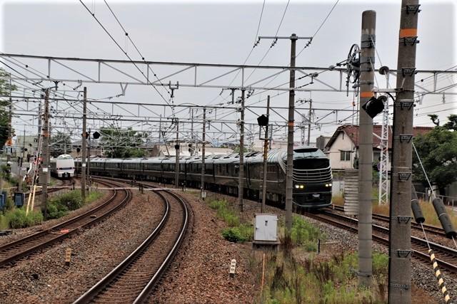 藤田八束の鉄道写真@京都駅で瑞風をお迎えしました。京都駅駅員さんと瑞風、京都駅歓迎の様子・・・トワイライトエキスプレス瑞風_d0181492_18165834.jpg