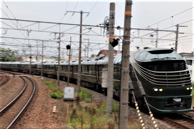 藤田八束の鉄道写真@京都駅で瑞風をお迎えしました。京都駅駅員さんと瑞風、京都駅歓迎の様子・・・トワイライトエキスプレス瑞風_d0181492_18170586.jpg