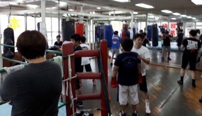 ボクシング好き?_a0134296_08332525.jpg