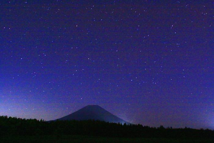 令和元年6月の富士(1)朝霧高原の星空と富士_e0344396_14363699.jpg