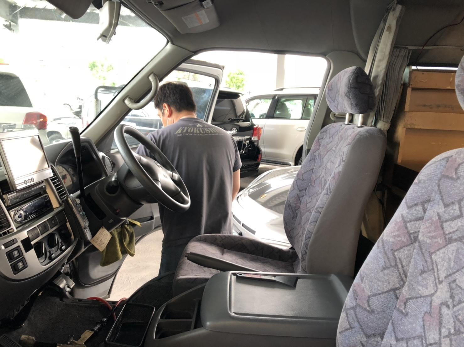 6/11 本店ブログ♪レクサス LX570 4WD☆ワンオーナー ありますよーーー ランクル ハマー キャンピングカー_b0127002_18184337.jpg