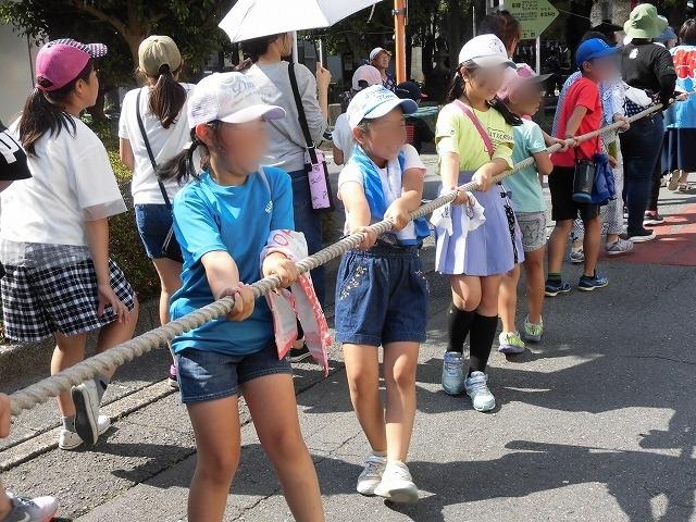 3日経った今朝も私は足腰が痛い! 吉原祇園祭で西仲町の山車の巡行_f0141310_06090926.jpg
