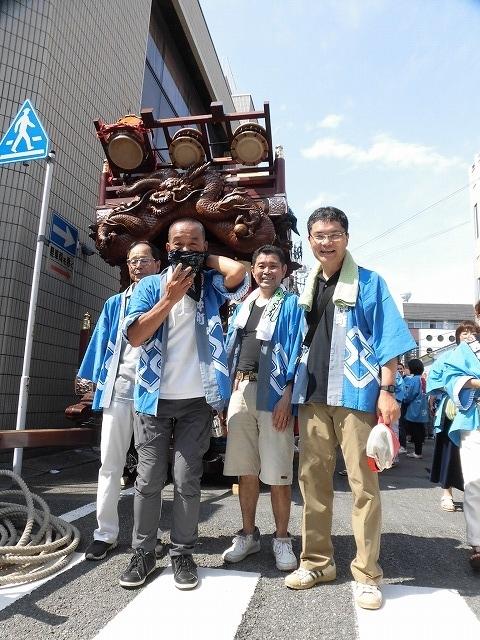 3日経った今朝も私は足腰が痛い! 吉原祇園祭で西仲町の山車の巡行_f0141310_06092335.jpg