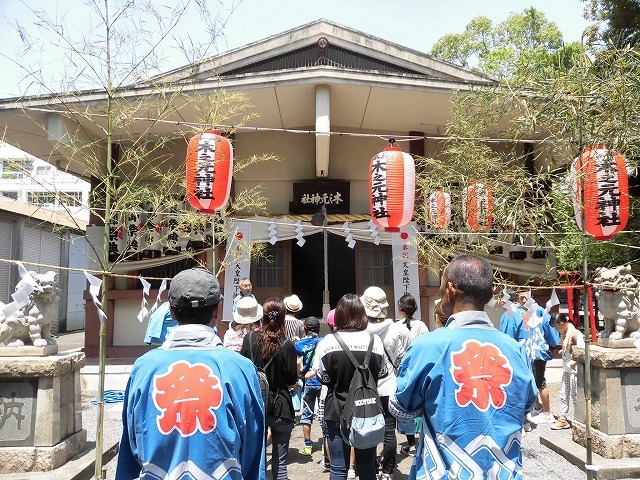 3日経った今朝も私は足腰が痛い! 吉原祇園祭で西仲町の山車の巡行_f0141310_06093674.jpg