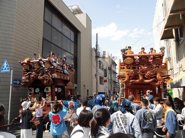 3日経った今朝も私は足腰が痛い! 吉原祇園祭で西仲町の山車の巡行_f0141310_06101545.jpg