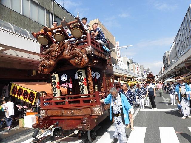 3日経った今朝も私は足腰が痛い! 吉原祇園祭で西仲町の山車の巡行_f0141310_06102486.jpg