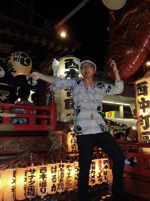 3日経った今朝も私は足腰が痛い! 吉原祇園祭で西仲町の山車の巡行_f0141310_06105151.jpg
