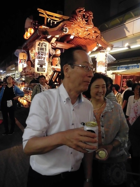 3日経った今朝も私は足腰が痛い! 吉原祇園祭で西仲町の山車の巡行_f0141310_06110553.jpg