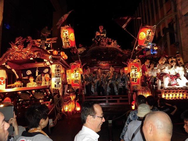 3日経った今朝も私は足腰が痛い! 吉原祇園祭で西仲町の山車の巡行_f0141310_06131123.jpg