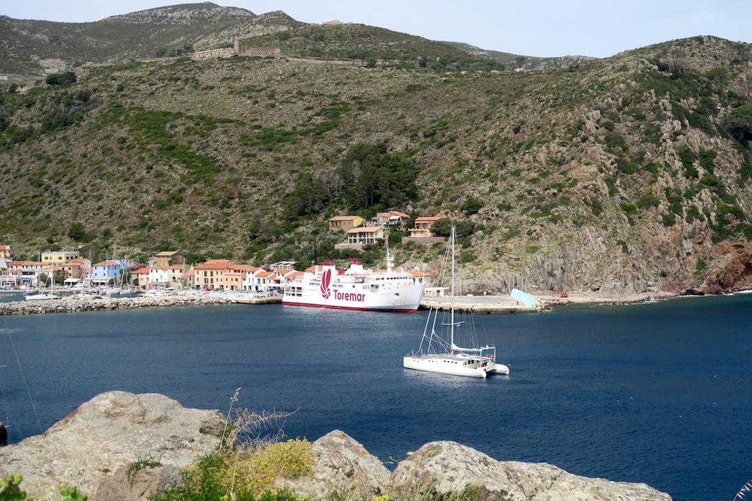 カプライア島発って船でリボルノへ_f0234936_6231819.jpg