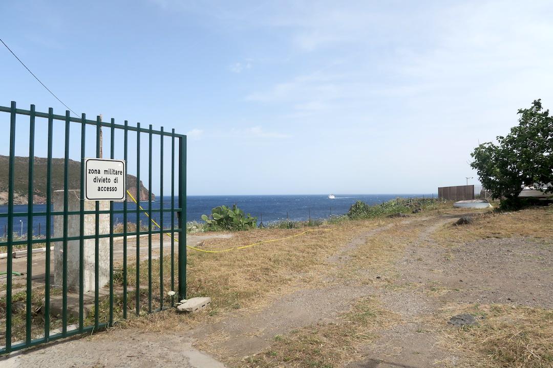 カプライア島発って船でリボルノへ_f0234936_64856.jpg