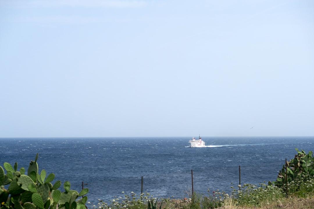 カプライア島発って船でリボルノへ_f0234936_6534060.jpg