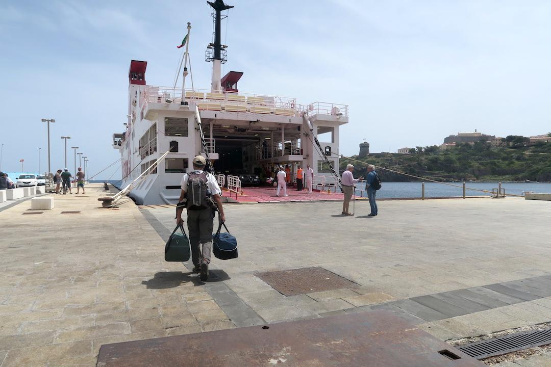 カプライア島発って船でリボルノへ_f0234936_6575194.jpg