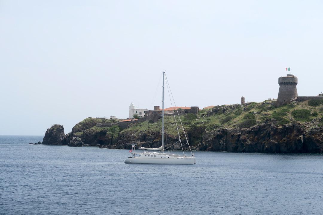 カプライア島発って船でリボルノへ_f0234936_721728.jpg