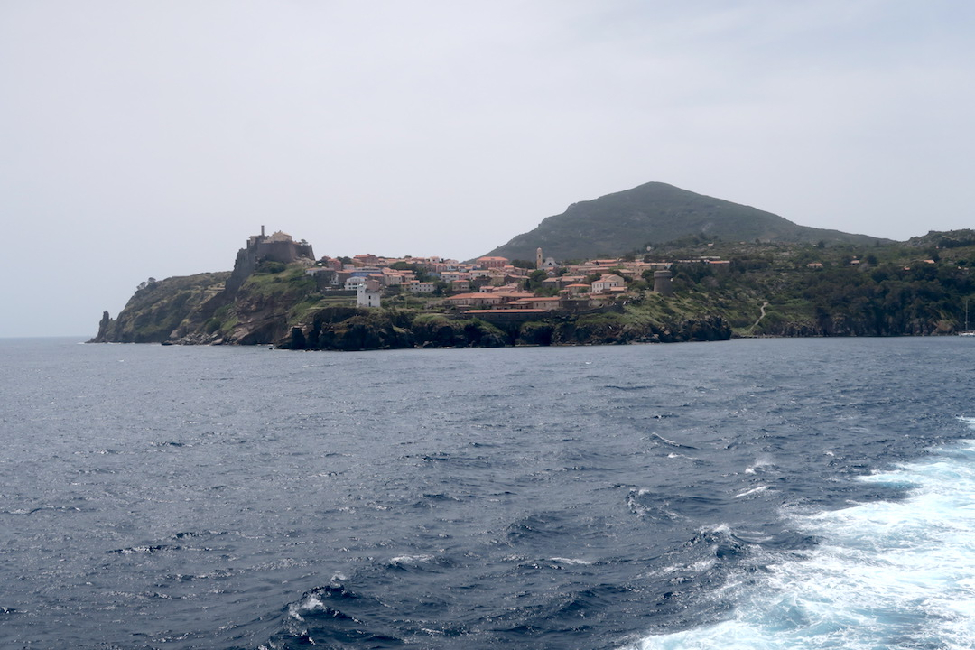 カプライア島発って船でリボルノへ_f0234936_726350.jpg