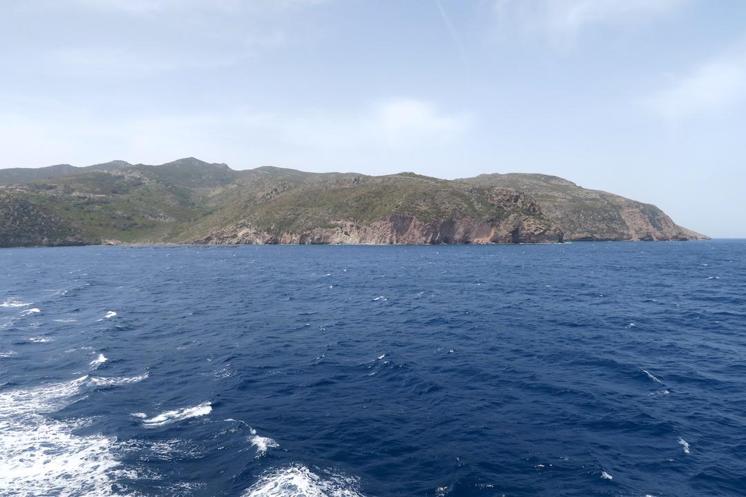 カプライア島発って船でリボルノへ_f0234936_7301156.jpg