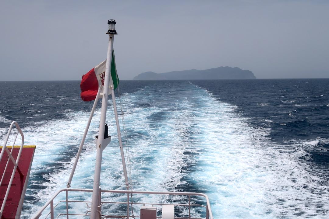 カプライア島発って船でリボルノへ_f0234936_7332030.jpg