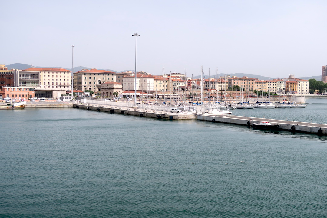 カプライア島発って船でリボルノへ_f0234936_746994.jpg