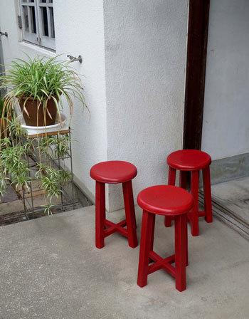 木製丸椅子をリストア_d0130640_09321487.jpg
