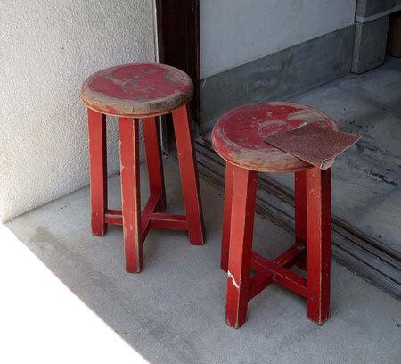 木製丸椅子をリストア_d0130640_09380786.jpg