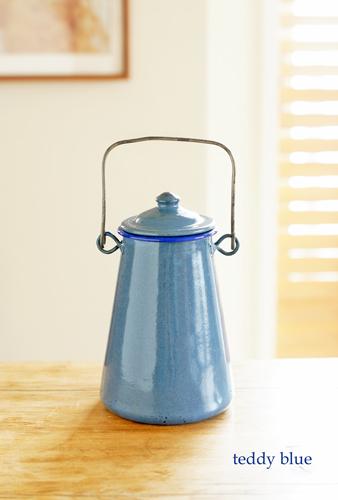 enamelware blue milk pot  アンティークのミルクポット_e0253364_08285853.jpg