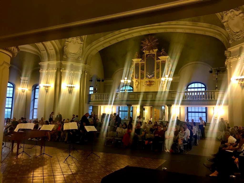 土曜日のフランス大聖堂コンサート_c0180686_02432450.jpg