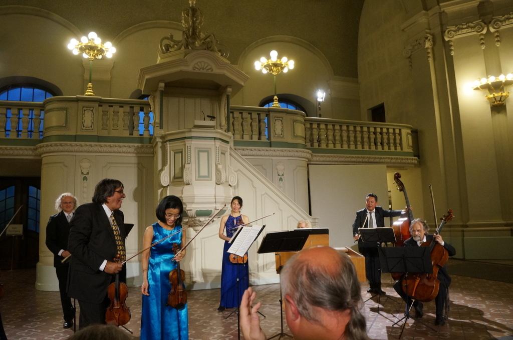 土曜日のフランス大聖堂コンサート_c0180686_02440640.jpg