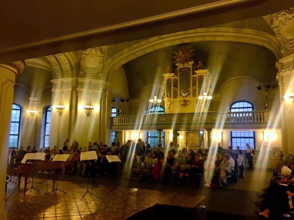土曜日のフランス大聖堂コンサート_c0180686_02481578.jpg