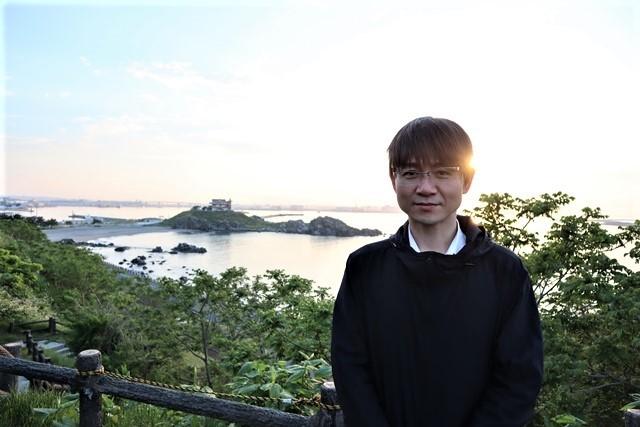 藤田八束の鉄道写真@東北八戸線にて、夕日の蕪島は絶景明日の幸せを祈りました・・・夕日がくれた元気のパワー_d0181492_10002791.jpg