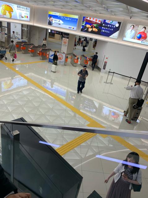 昨日は、博多の店舗打ち合わせで一ヶ月半ぶりの福岡。_b0176010_17464446.jpg