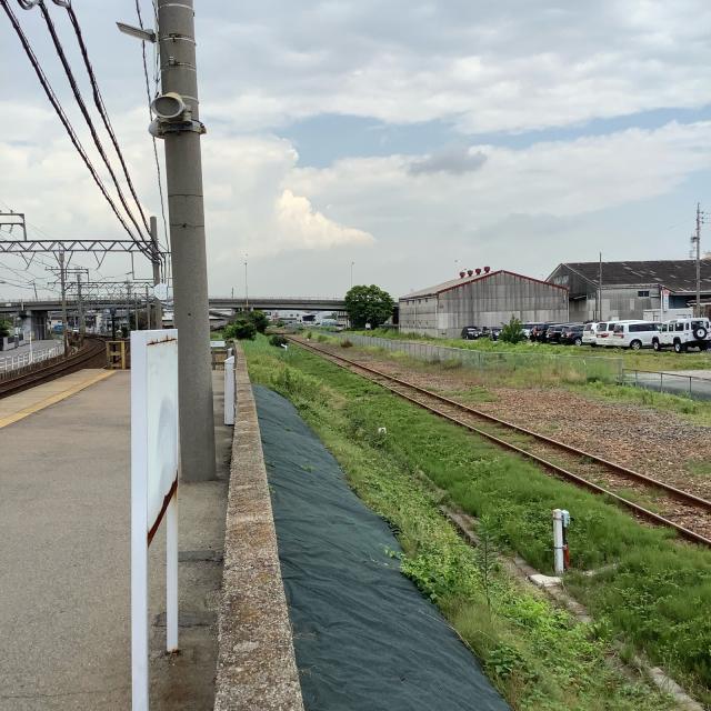 近鉄海山道駅脇の三菱化学専用線跡に思いを馳せつつ、ライブ会場へ。_a0334793_20585532.jpg