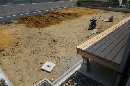 「飛香台の家」庭下地工事_b0179213_17530055.jpg