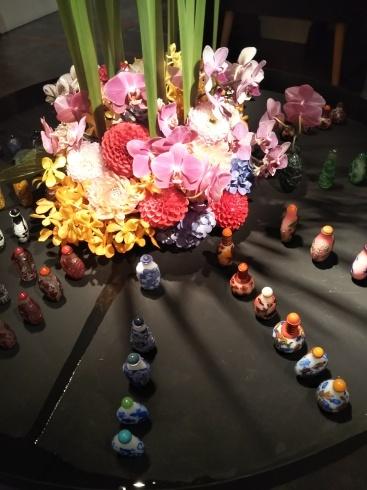 花と鼻煙壺_f0161122_16520527.jpg