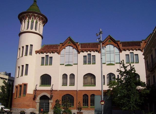 Caja de Ahorros de Sabadell の建物_b0064411_07300762.jpg