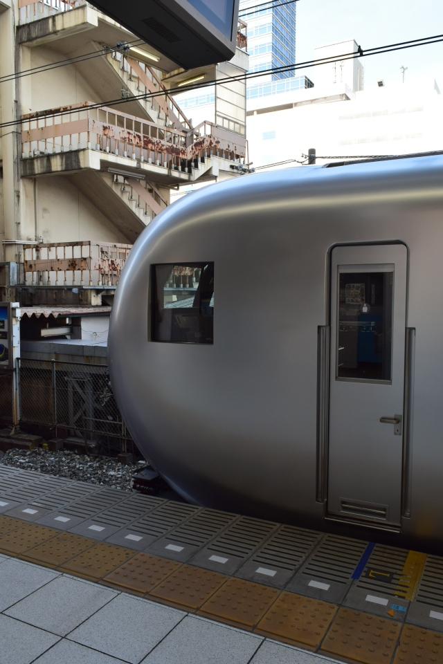 西武鉄道001系、新型特急Laview_a0110756_10381827.jpg