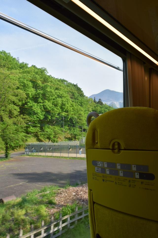 西武鉄道001系、新型特急Laview_a0110756_10482276.jpg