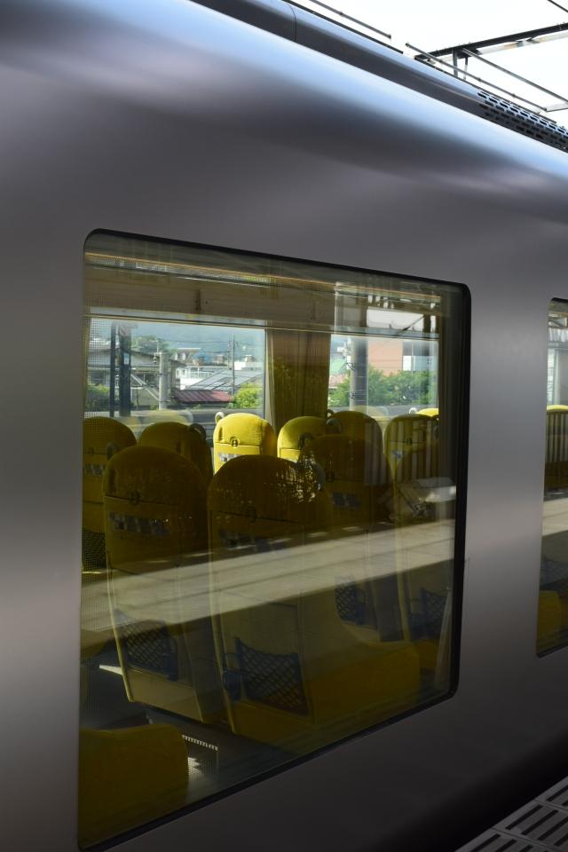西武鉄道001系、新型特急Laview_a0110756_11003505.jpg