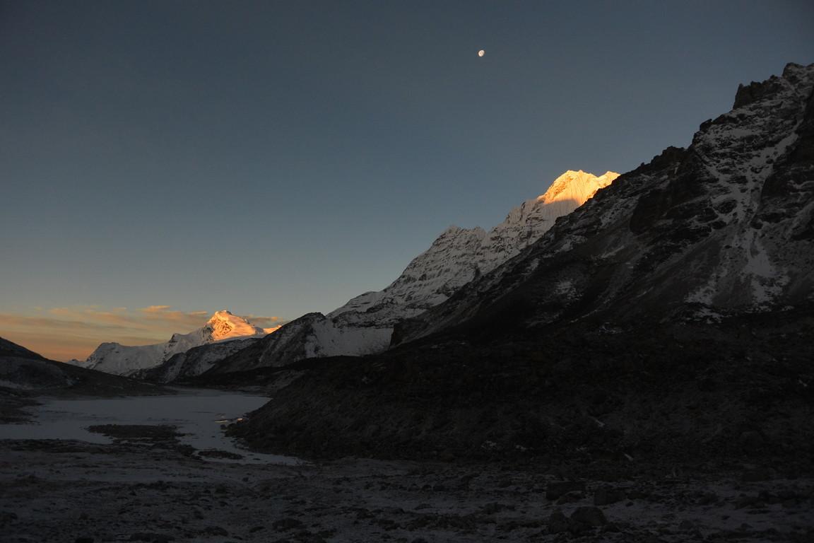 """2019年5月『ヒマラヤピークトレッキング 3 : アンプ・ラプチャ峠越え』 May 2019 \""""Himalaya Peak Trekking 3:Amphu Labcha La\""""_c0219616_17581431.jpg"""